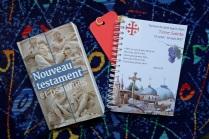"""Le """"kit du pèlerin"""" : le Nouveau Testament et les psaumes, pour les méditations et la liturgie des Heures, et le carnet du pèlerin"""